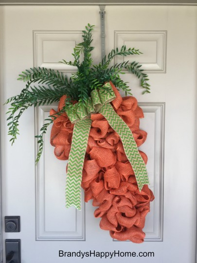 Front porch wreath protection