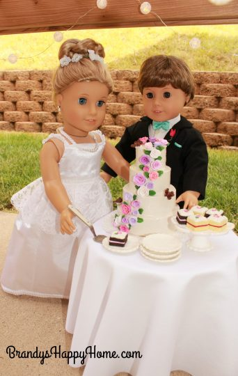 doll wedding cake cutting