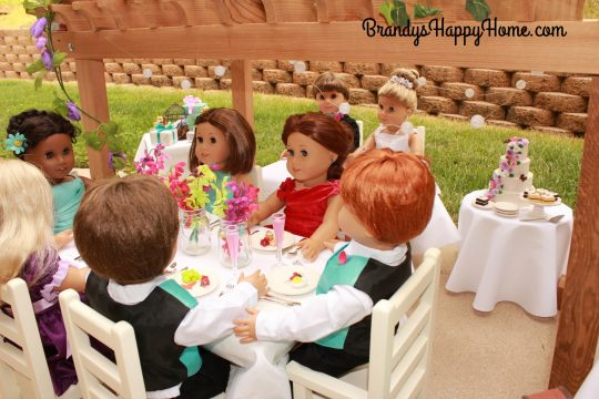 doll wedding guests eating