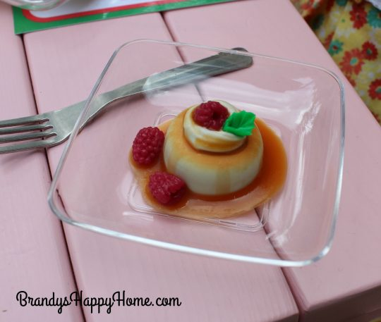 doll flan with berries