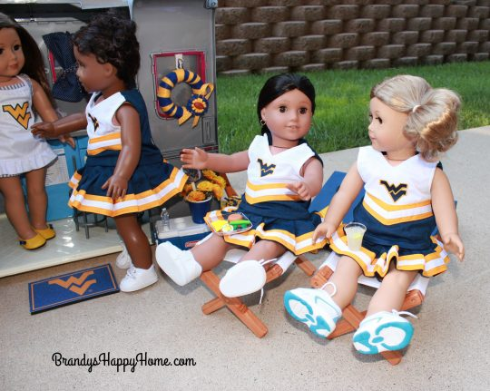Collegiate doll folding chairs