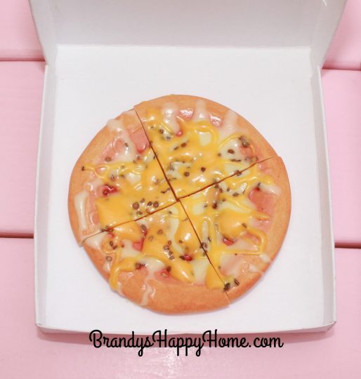 doll-cheese-pizza