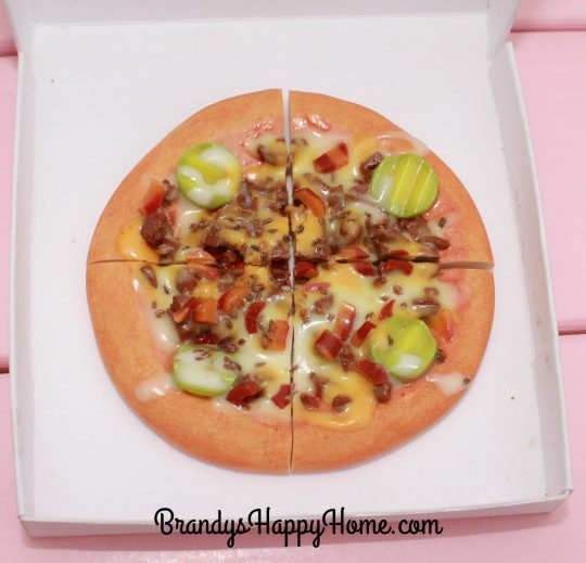doll-cheeseburger-pizza