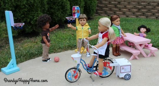 doll-pizza-peddler-on-bike