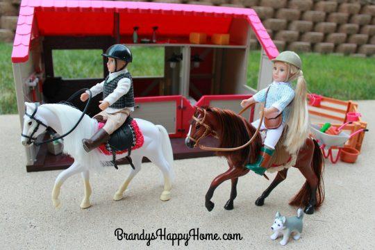 lori-doll-horses