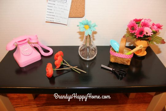 melodys-flower-shop-work-table