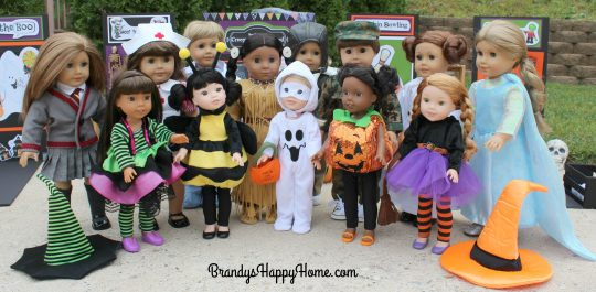 dolls-dressed-in-halloween-costumes