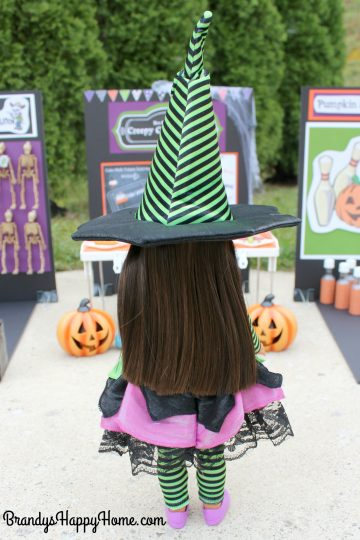 wellie-wisher-ashlyn-in-witch-costume-2
