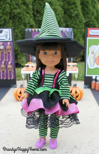 wellie-wisher-ashlyn-in-witch-costume