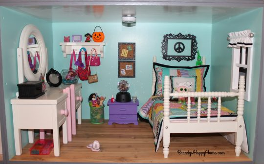 american-girl-dollhouse-bedroom-1