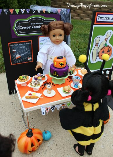 doll-halloween-carnival-food-stand