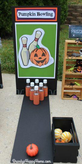 doll-halloween-game-pumpkin-bowling