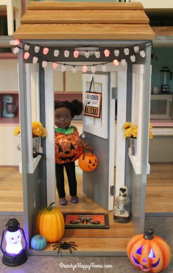 teal-pumpkin-for-dollhouse