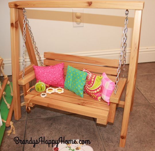 diy-doll-bench