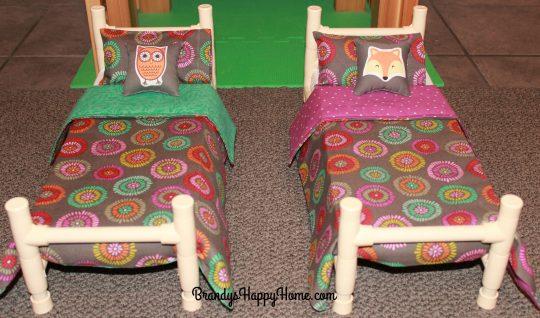 wellie-wisher-bed-decorative-pillows