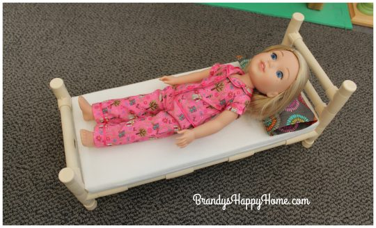 wellie-wisher-doll-bed-2